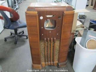 Vintage Radio Shell