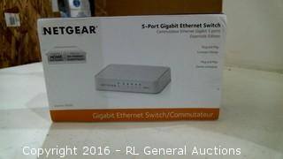 Netgear 5 Port Gigabit Ethernet Switch