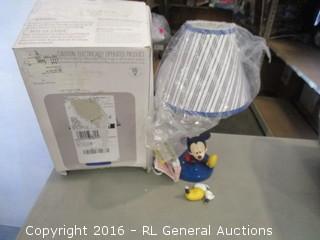 Disney Lamp and Shade Mickey/ foot broken see pics