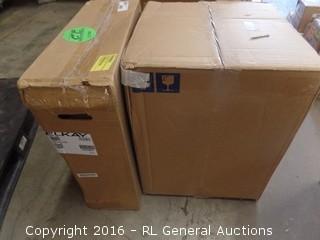 Elkay Bottle Filling Station Package damaged New in Box