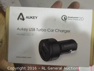 AUKEY USB Turbo car charger