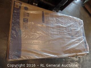 Suncast Extra Large Deck Box Package Damage New In Box