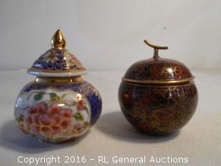 2 Vintage Enamelware Mini Pots w/ Lids