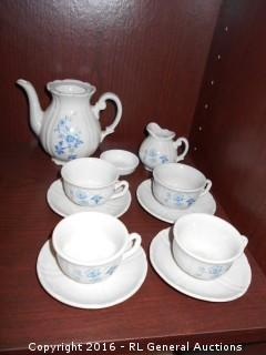 Mini Vintage Tea Set Kahla German Democratic Republic - Larger Pitcher Cracked