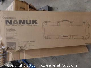 Nanuk PlastiHard Case Nanuk 990 Gun case Package damaged New in Box