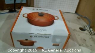 La Cuisinart Pot w/lid