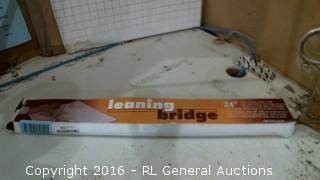 Leaning bridge