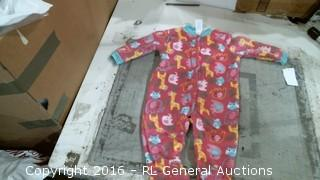 6-9M Baby Outfit (Rip in Arm)