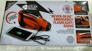 Solar Panel Emergency Flashlight/Radio