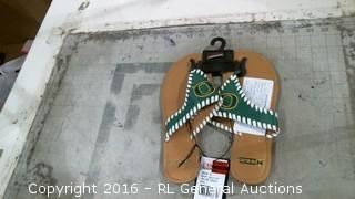 Oregon Ducks Flip Flops