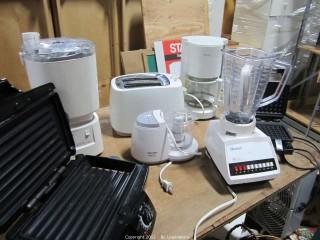Kitchen Appliances/toaster/blender,etc