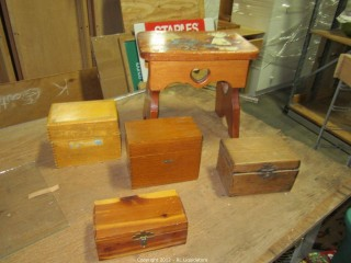 Wood Bench/Several small chest