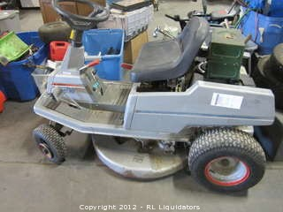 Craftman Ride on Lawnmower (not sure if it works or not)