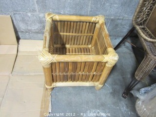 Rattan End Table needs glass/or used for magazines