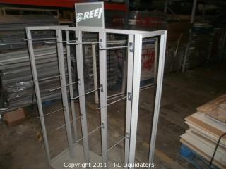 Retail Slatwall Display Fixture, REEF