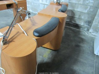 Double manicure table