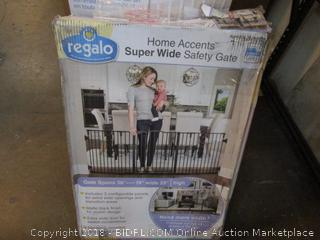 Regalo Super Wide Safety Gate