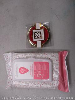 Compact Mirror and cleansing cloths