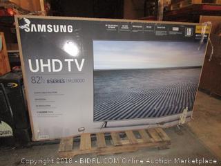 "Samsung UHD TV 82""   Powers on, Cracked Screen"