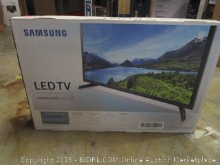 "Samsung LED TV 32"" Powers on, Like New"