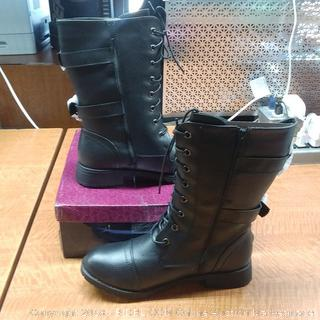 Refresh Boots Size 10