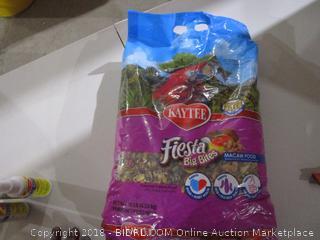 Kaytee Fiesta Big Bites Bird Food