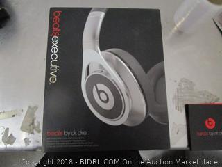 Beats Headphones (one side works)