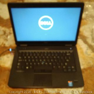 Dell Laptop (Powers On)