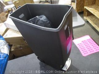 Step On Trash Can (Damaged)