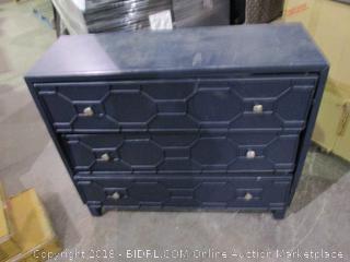 Dresser/ damaged see Pictures
