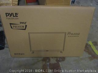 PYLE PTVLED32  32 LED HD Monitor Powers On  See Pictures