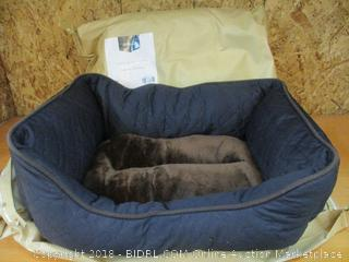 Two-Petspaces Wave Quilting Rectangle Cuddler