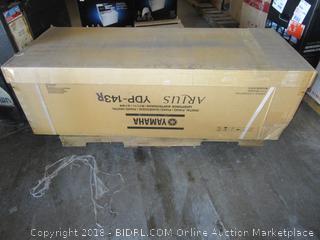 Yamaha Arius Series Console Digital Piano   Like New