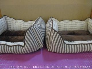 2 Pet Beds