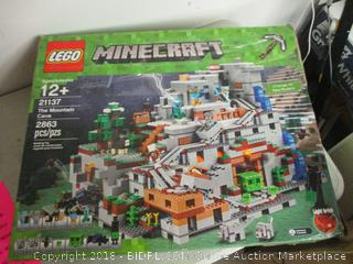 LEGO Minecraft The Mountain Cave set 21137