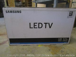 """Samsung LED TV 32""""  Full HD TV Powers On  Like New See Pictures"""