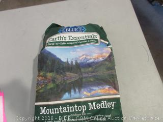 Blue Mountaintop Medley Dog Food