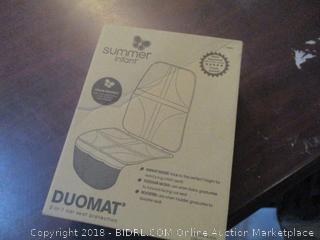 Summer infant DuoMat 2 in 1 car seat protection