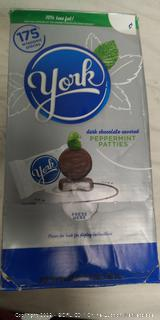 York Dark Chocolate Peppermint Patties (175 wrapped pieces)