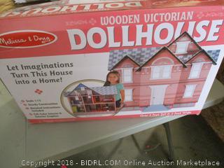 Melissa & Doug Wooden Vitorian Doll House