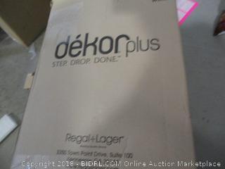 Dekor Hands Free Diaper Pail