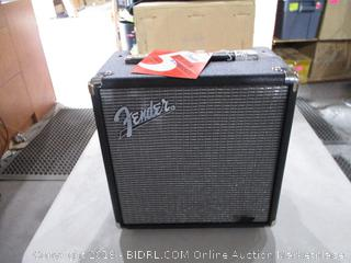 Fender Rumbles Powers On