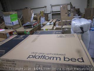 Zinus Dark grey upholstered Platform Bed Queen