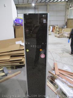 LG Clothes Steamer Smart Inverter Compressor  Powers on / Damaged See Picttures