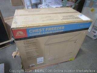 Igloo Chest Freezer  7.0 Cu Ft  Dented See Pictures