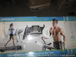 Weslo Crossealk 5.2 ft Treadmill Electric  Package Damaged See Pictures