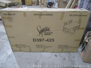 Signature Tagble/Chair