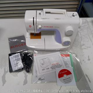 Singer Sewing Machine, Simple 3232-NEW