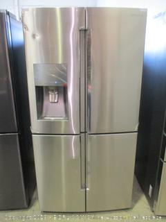 Samsung Refrigerator Powers on, Triple & Metal Cooling, Dented See Pictures