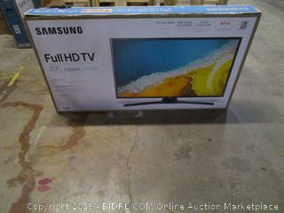"Samsung Full HD TV  49"" Powers On See Pictures"